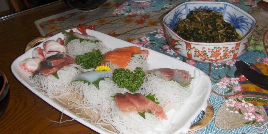 sashimi.jpg.6b181290742ed19187cb1ab622450442.jpg