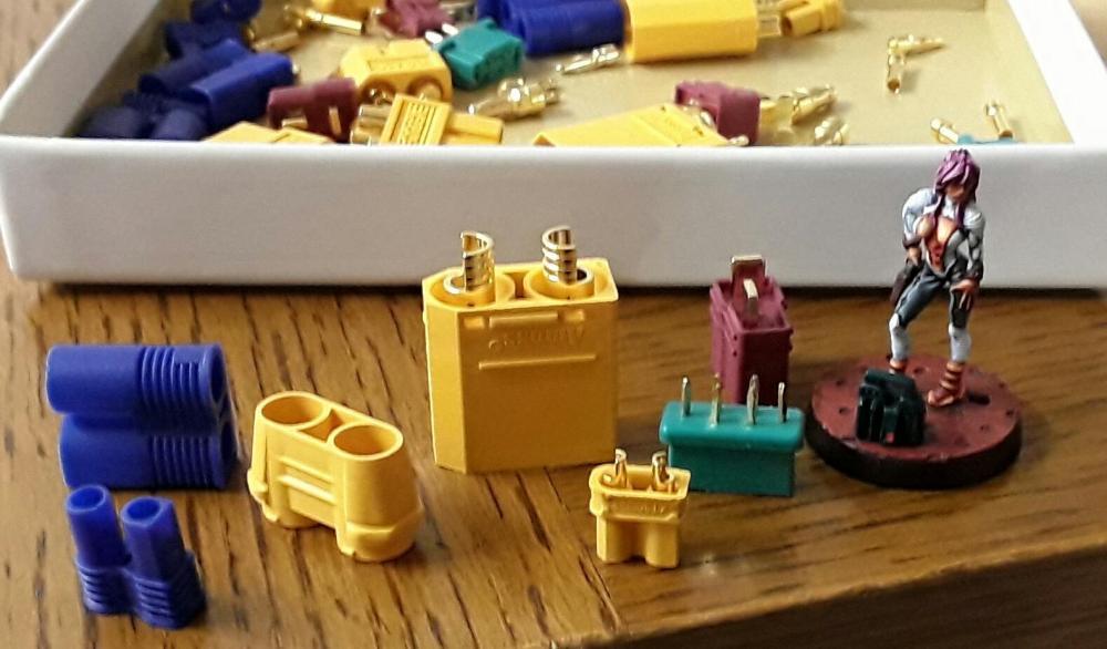 Sicherungskasten-Batterien.thumb.jpg.db5837f7ada1974c16478d70e227e03b.jpg