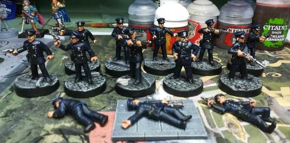 Police.thumb.jpg.fba4fc17f791fe217aba479b8ab543c2.jpg