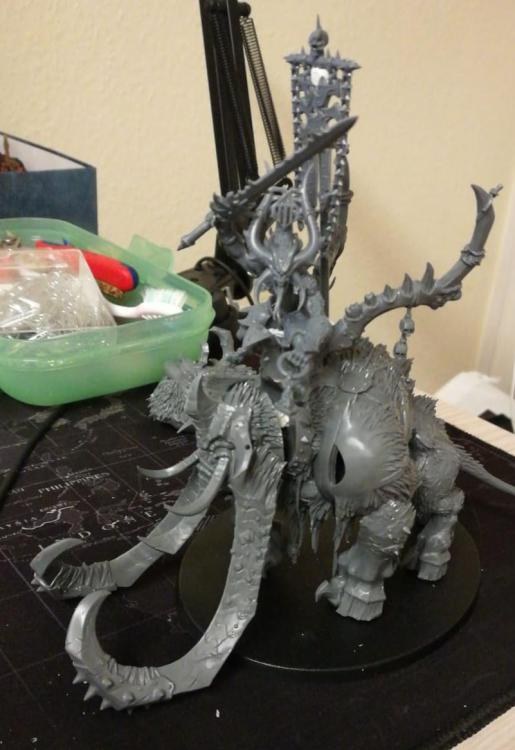 throne.thumb.jpg.2458775eba9246a97c8a163455770df6.jpg
