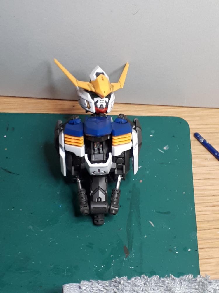 436014862_GundamTorsoundKopf1000.jpg.2a981ae42e8c4685bb6feb8fff15a4d1.jpg